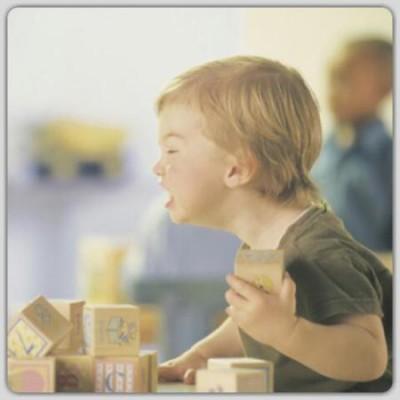 Autismo: Por que algumas crianças se tornam agressivas?